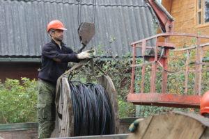 Это Дмитрий, наш монтажник и и вообще хороший строитель!